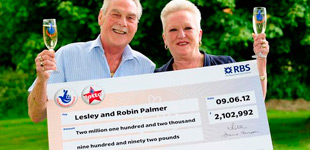 Lesley and Robin Palmer a Lottery Winners lottery online